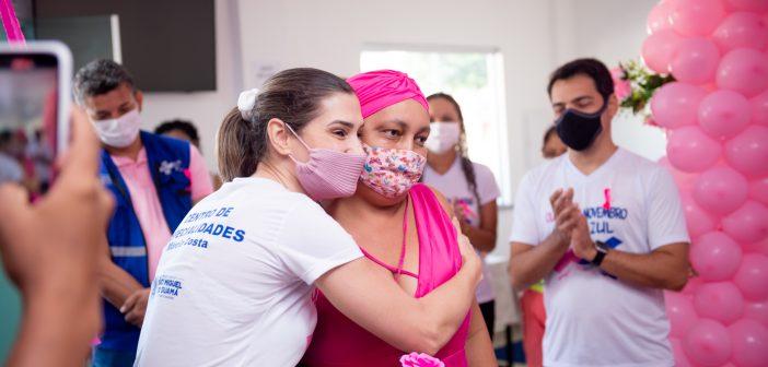 Outubro Rosa: Prefeitura intensifica ações de prevenção ao câncer de mama e câncer de colo do útero